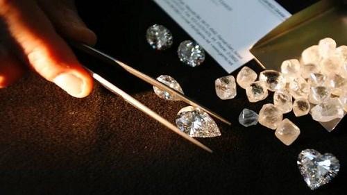 kim cương giảm giá mạnh trong tương lai